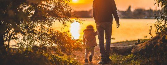 Waar heeft een kleinkind recht op als opa of oma overlijdt?